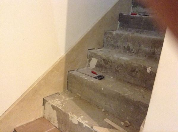 лестница из мрамора crema marfil